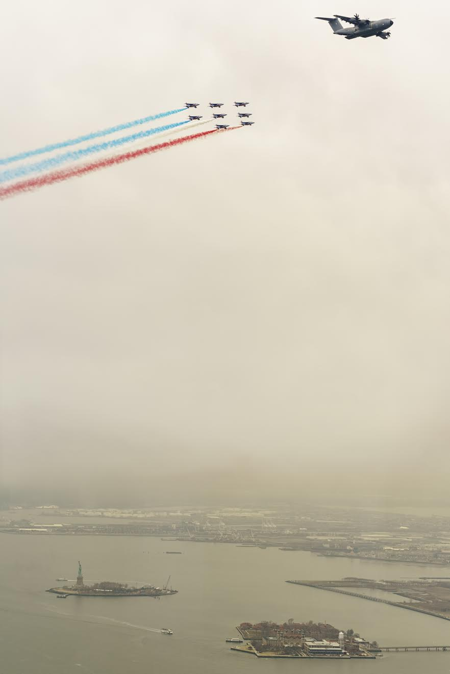 Patrouille de France over the Statue of Liberty