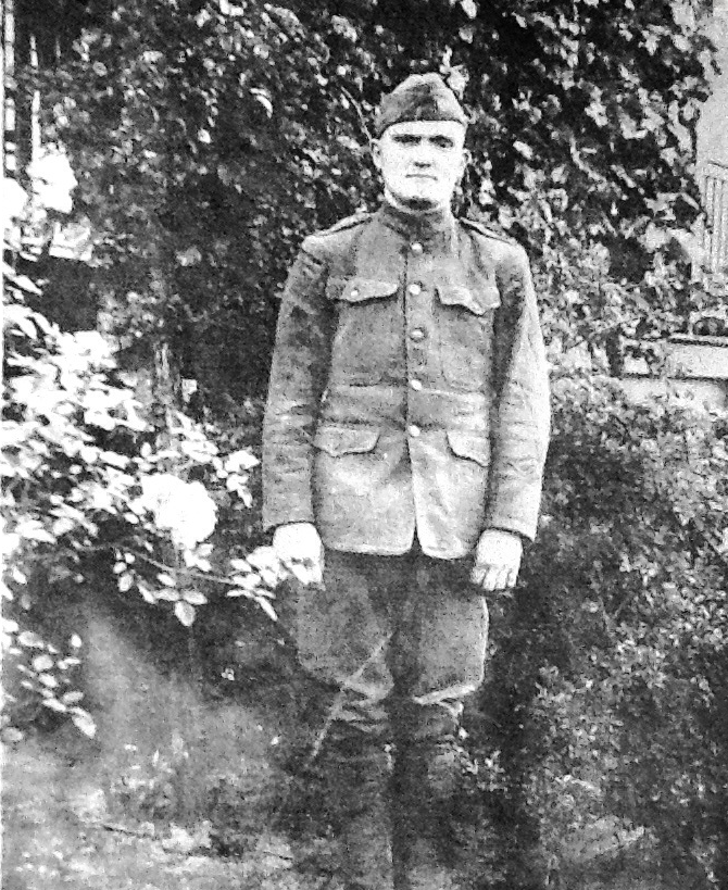 5881263cc91e4 David Gentry in Uniform