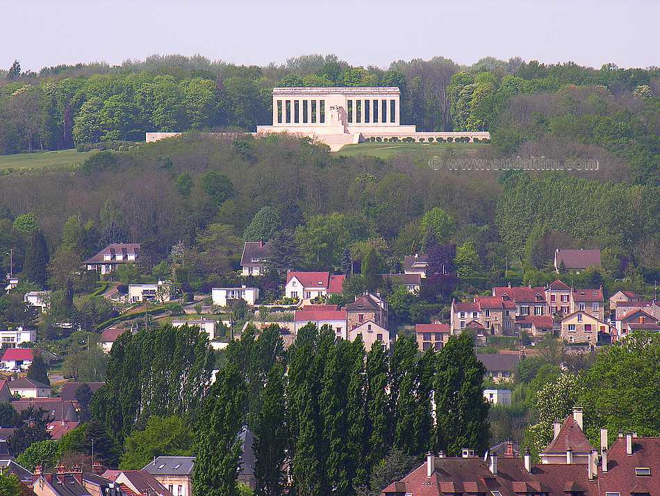 chateau thierry memorial americain cote 204 photographie aerienne 1