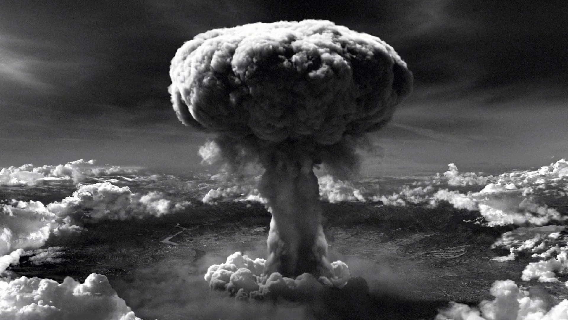 atomic bomb in world war 2 Did the usa have a 3rd atomic bomb to drop in japan in world war ii update cancel answer wiki why did the united states drop two atomic bombs on japan in world.