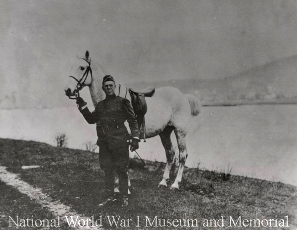 signal corps officer wth horse Bab in Germany Dec 1918 ww1mus