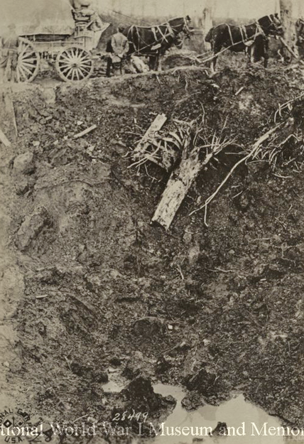 US mine crater next to road Oct 1918 wwimus