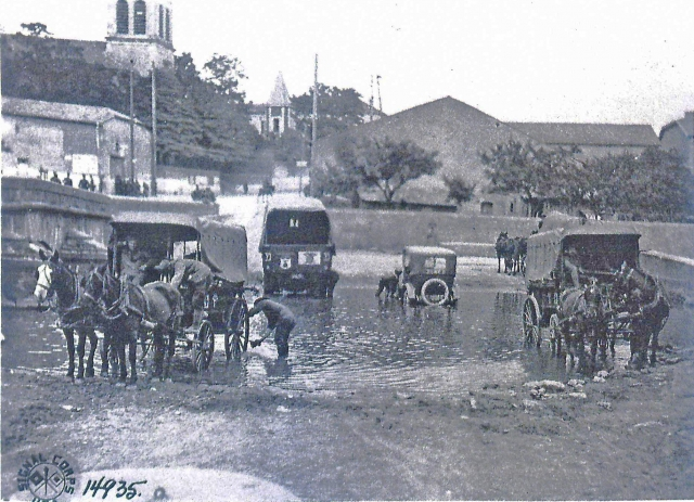 ambulances being washed France 1918