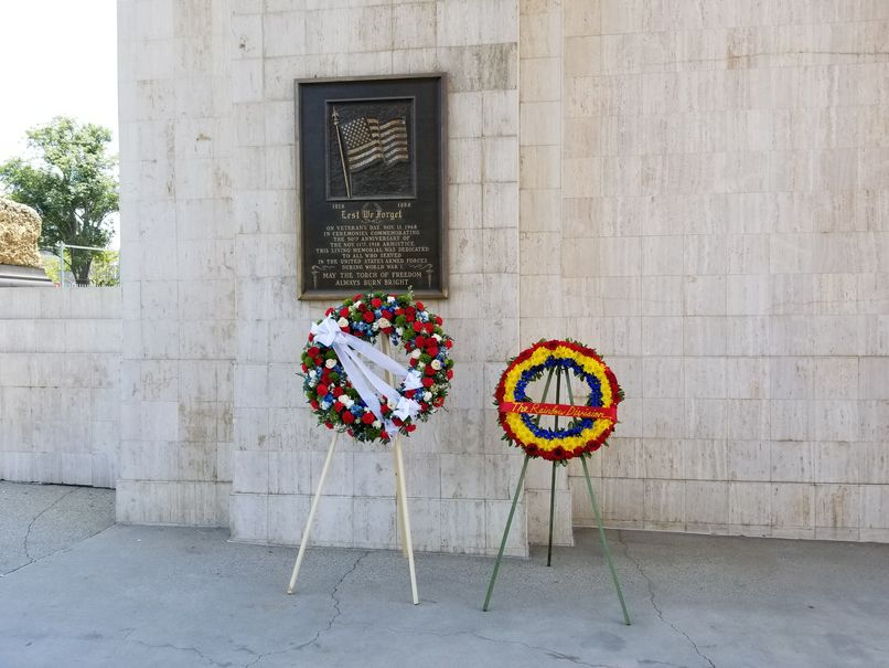 two memorial wreaths at memoria col result