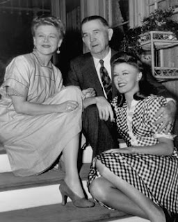 Lela Leibrand courtesy of Women Marines Association blog pictured with husband and daughter Ginger Rogers