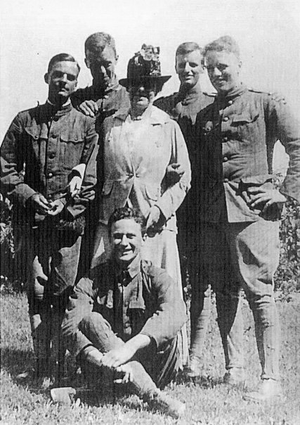 Edith Wharton with soldiers