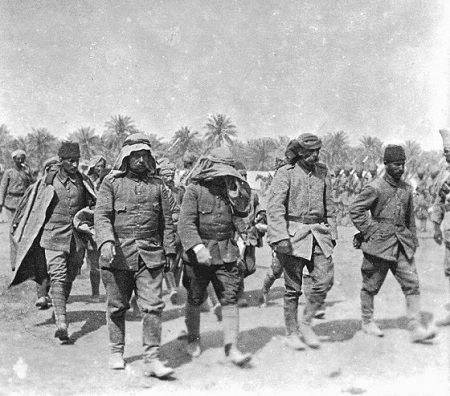 Turkish troops in Mesopotamia, 1916.