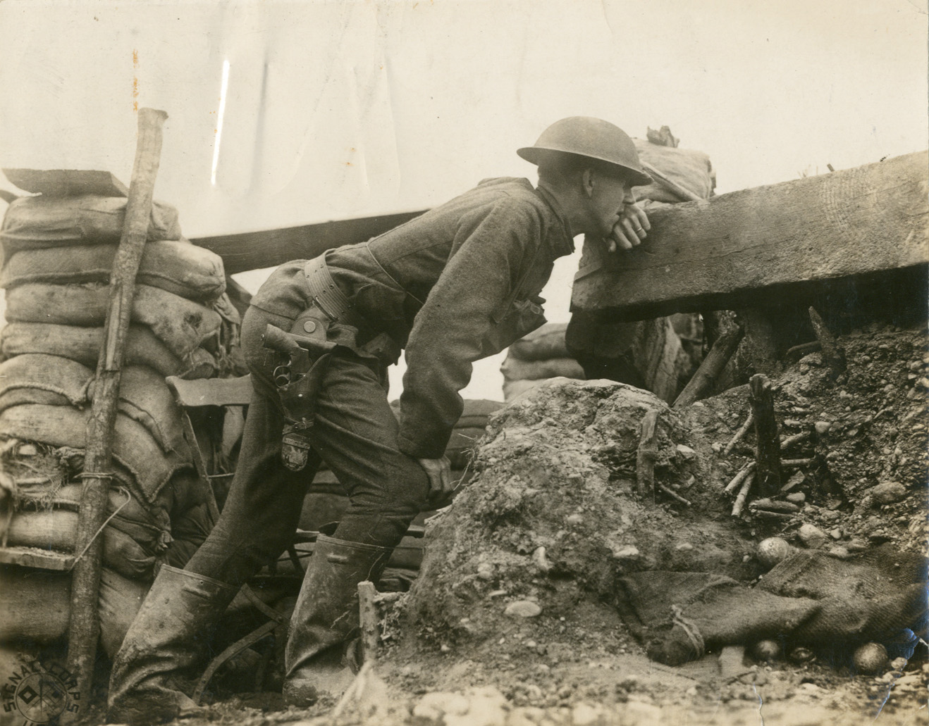 32nd division soldier in a trench